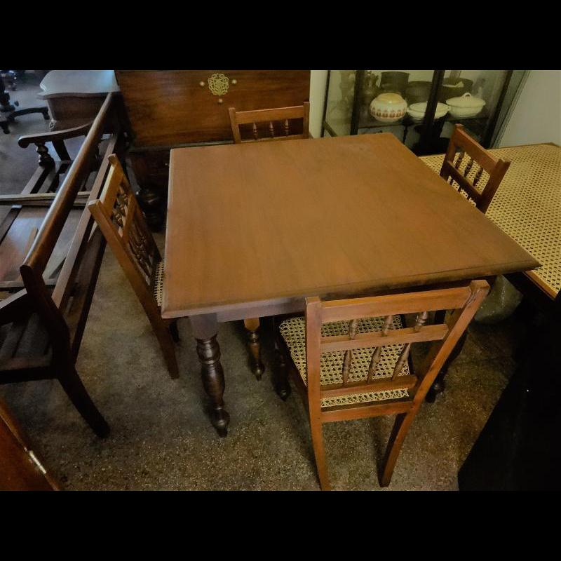 Jackwood Dining Table