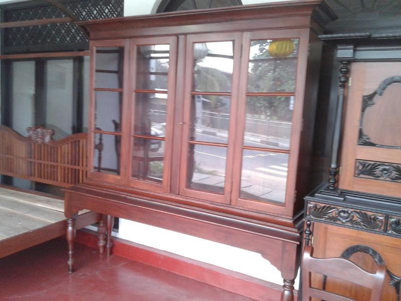 Jackwood bookshelf | Display cabinet