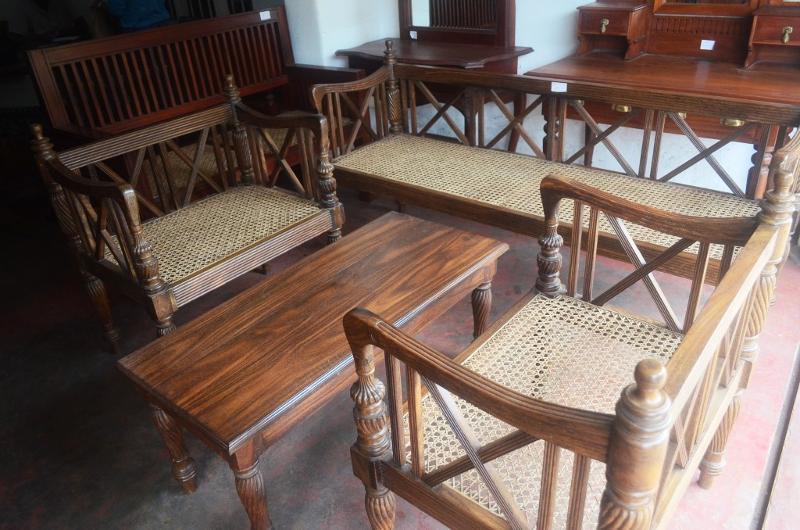 Nadun Sofa Set